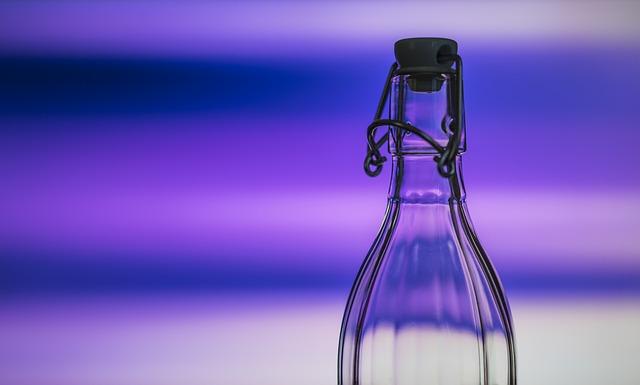 Bouteille d'eau en verre
